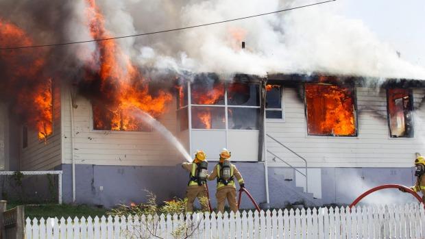 Titahi Bay and Porirua fire crews are attending a house fire on Te Pene Avenue, Titahi Bay. - MATT DUNCAN/FAIRFAX NZ